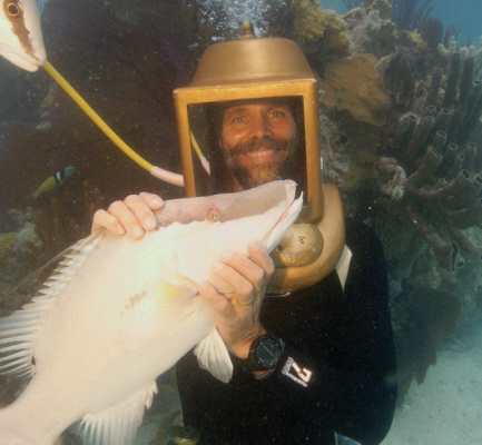 Greg Hartley helmet diving in Bermuda with hogfish