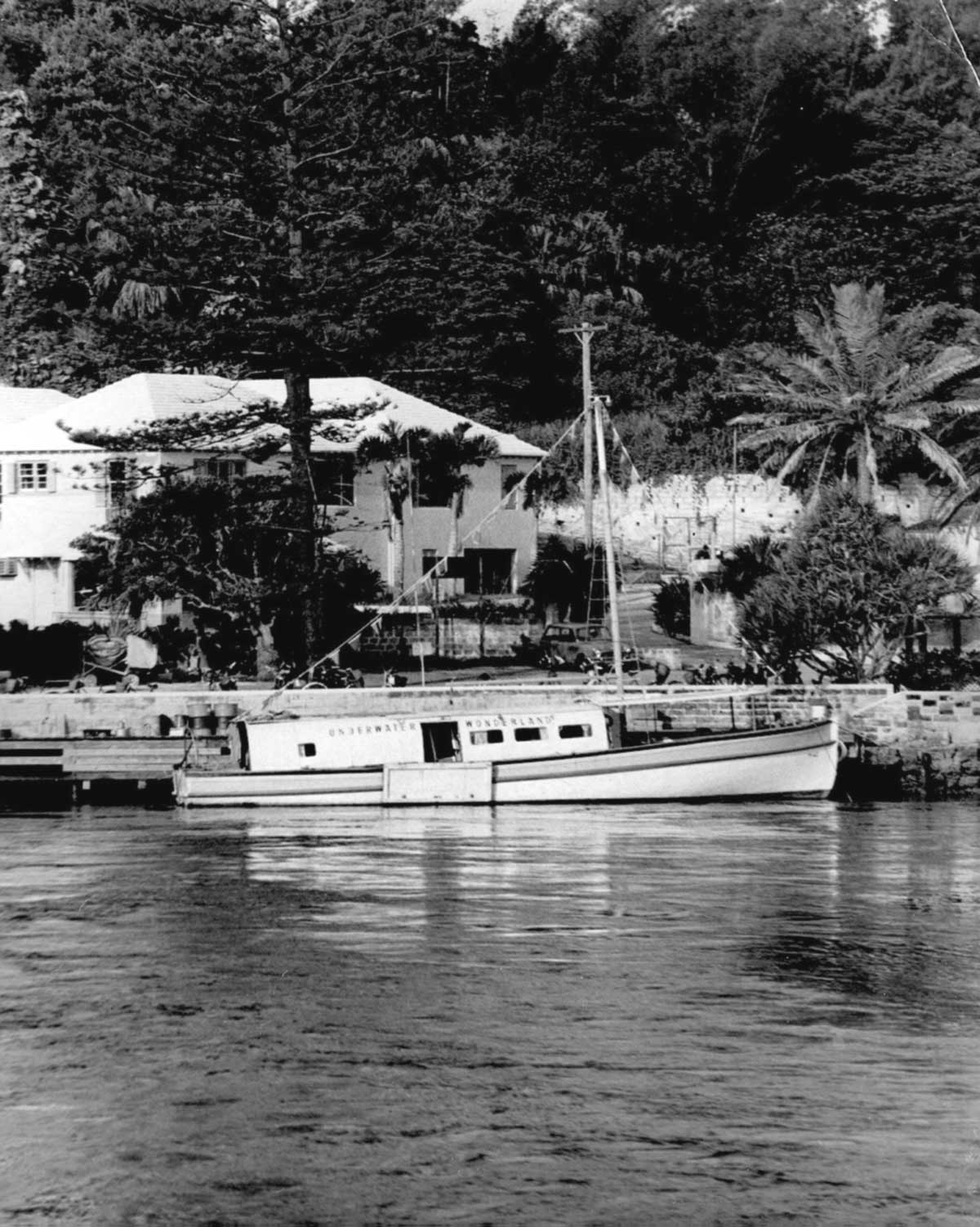 Photo of helmet diving vessel of Hartley's Underwater Wonderland Reef Cruises in Flatts Village in the 1960's