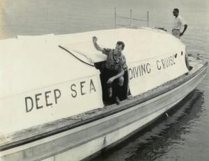 Bronson Hartley waving to happy departing divers